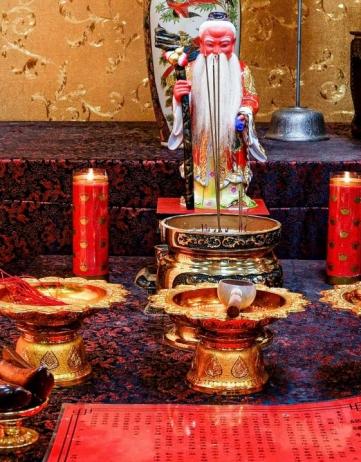 聯誼前最重要注意事項-呼籲高雄單身貴族,要來拜老佛爺月老廟
