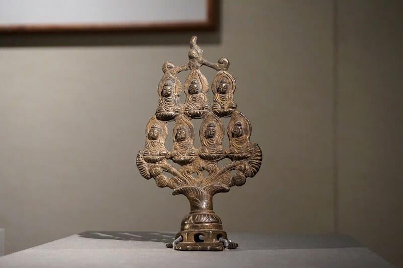 唐銅七佛造像。浙江省博物館藏